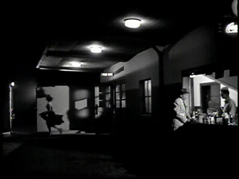 While cinematographer John Alton was adept with color photography he was at his arguable best when using black and white. Indeed it is in the shadowy realm ... & John Alton - Painting With Light azcodes.com